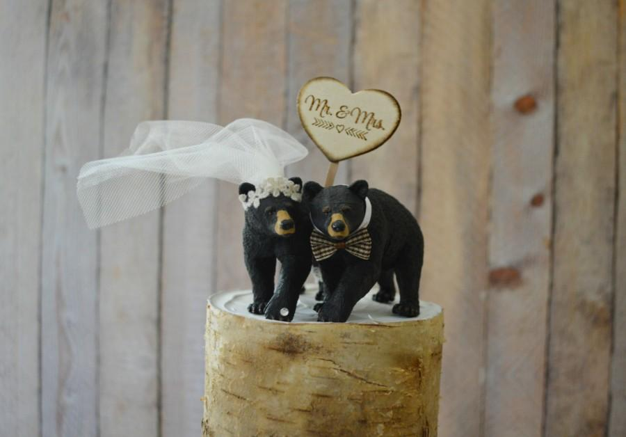 زفاف - bear hunting groom wedding cake topper animal black bear camping hunter bear lover Mr and Mrs wedding sign country rustic barn bride groom