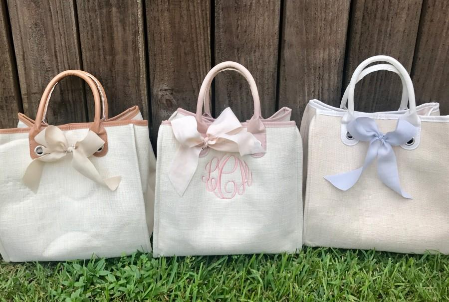Mariage - Bridesmaid Tote Bags, Bridesmaids' Tote bags, Monogram Bridesmaids Bags, Monogram Bridal Party gifts, Bridesmaids gifts, Personalized Totes