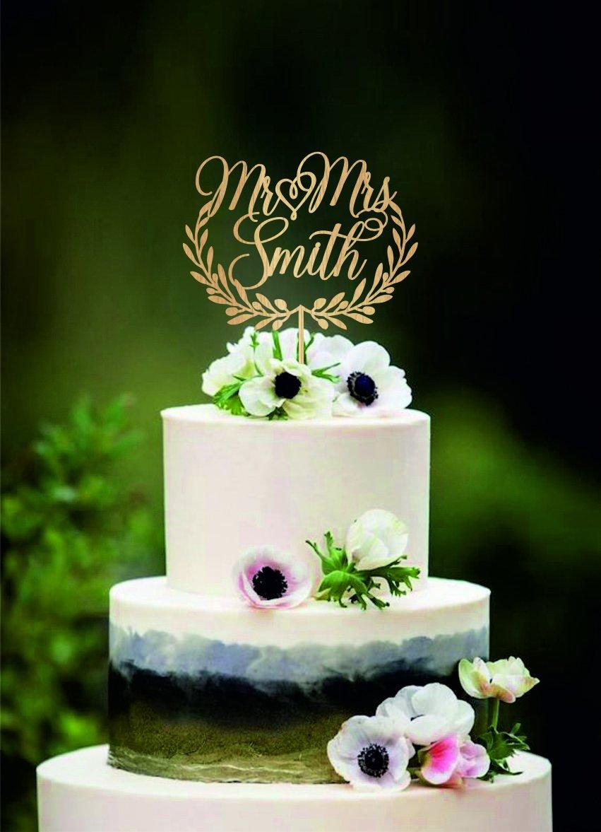 Hochzeit - Custom Mr and Mrs cake topper, Last name cake topper with heart, Wreath cake topper mr mrs, Personalise mr mrs wood cake topper