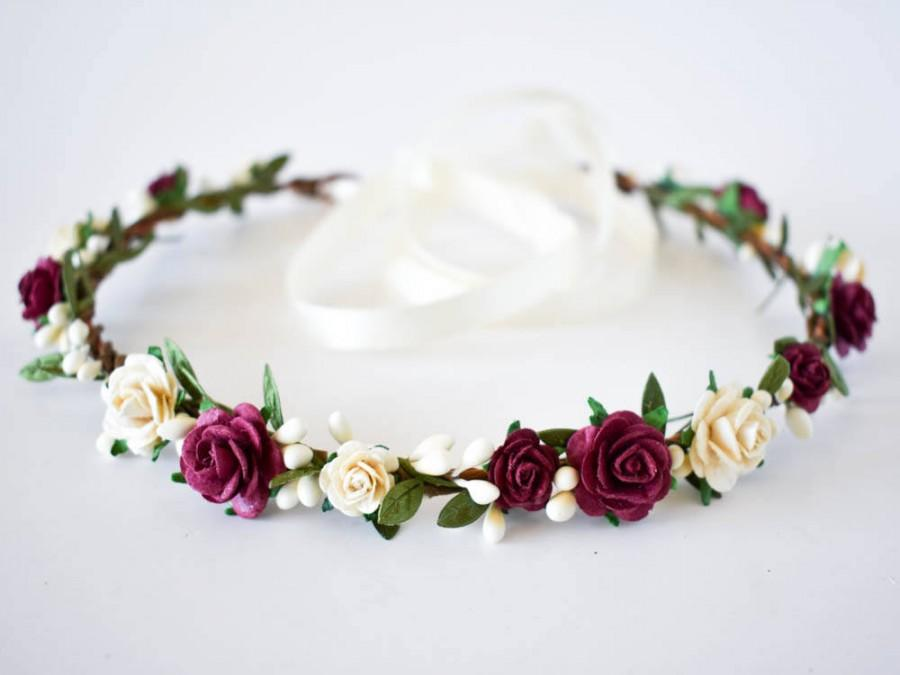 Mariage - Burgundy flower crown.  Burgundy and Ivory flower crown. Ivory flower crown. Rustic summer floral crown in Burgundy and Ivory. Boho halo