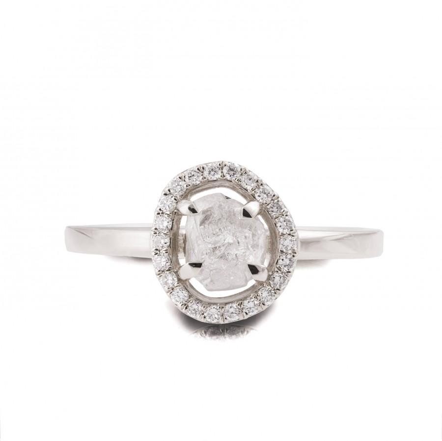 Mariage - Raw Diamond Ring, 18K White Gold Rough Diamond engagement ring, Unique Engagement ring, rough diamond ring, Raw Halo Ring