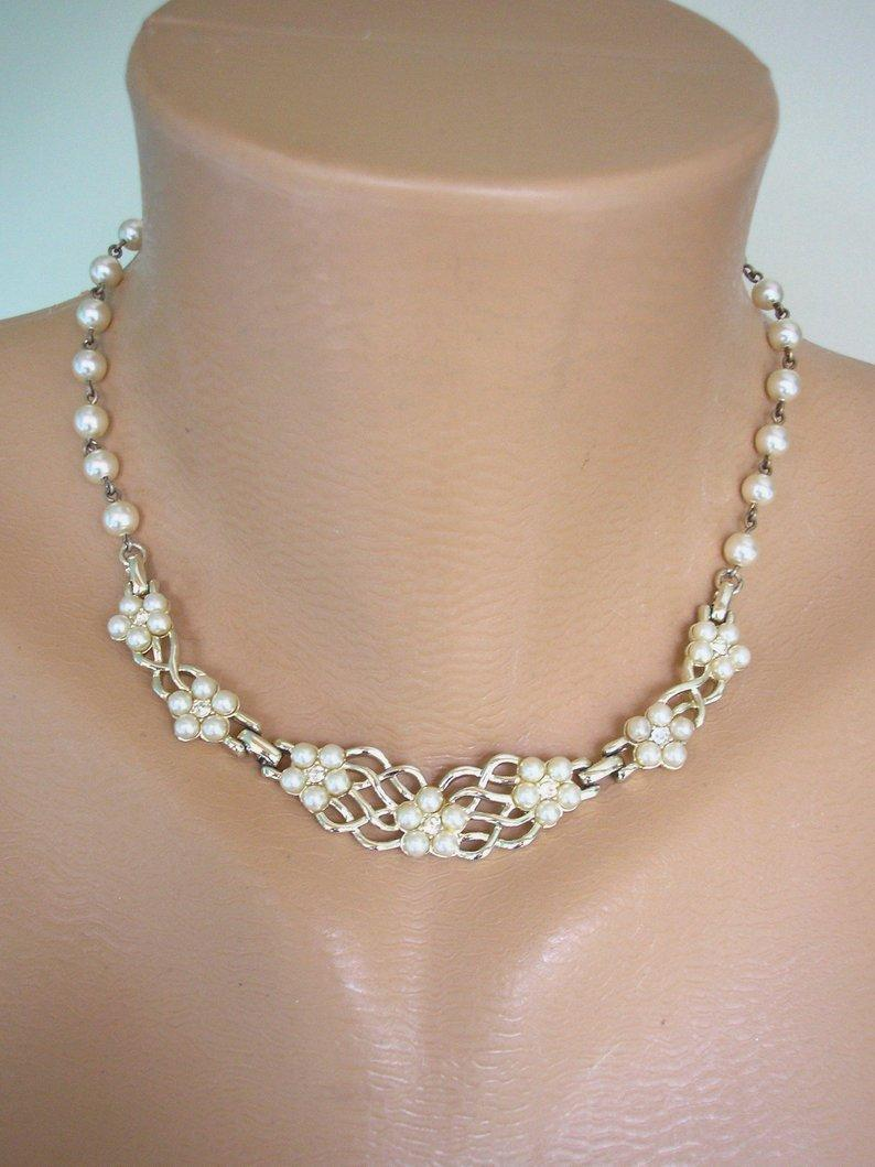 Wedding - Vintage Pearl Necklace Signed KRAMER, Pearl Choker, Bridal Pearls, Dainty Wedding Necklace, Single Strand, Costume Jewelry, Cream Pearls