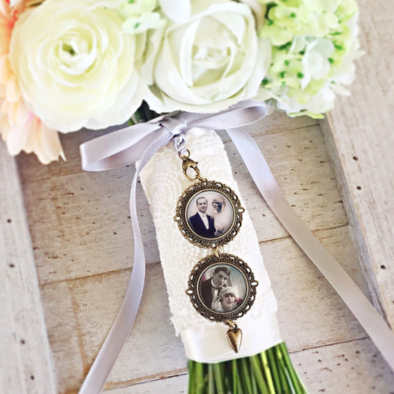 Mariage - Bridal Photo Charm, Bouquet Photo Pendant, Bouquet Memorial Charm, Custom Wedding Charm, Wedding Gift, Keepsake Bouquets, Gift For Bride
