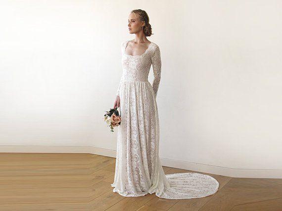 Свадьба - Square Neckline Vintage Inspired Wedding Dress, Pearl Color Lace Of Roses Long Sleeves Dress, Rustic Wedding Dress 1207