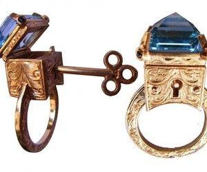 Hochzeit - Cool Key/Box Rings.  Neatest Thing Ever!