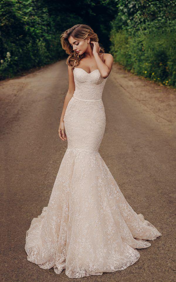 زفاف - Atelier Bucuresti>Rochie De Mireasa La Comanda>ladies-tailor.ro . #atelier #bucuresti #rochiidemireasa #rochii #mireasa #nunta #fa…