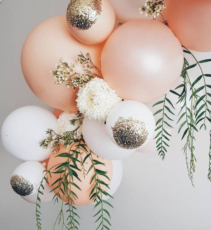 Hochzeit - I Love The Glitter On The Balloons