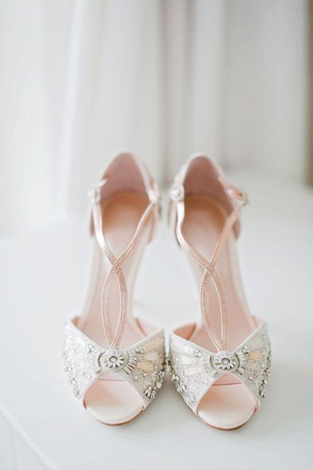 Hochzeit - Elegant Vintage Bridal Shoes