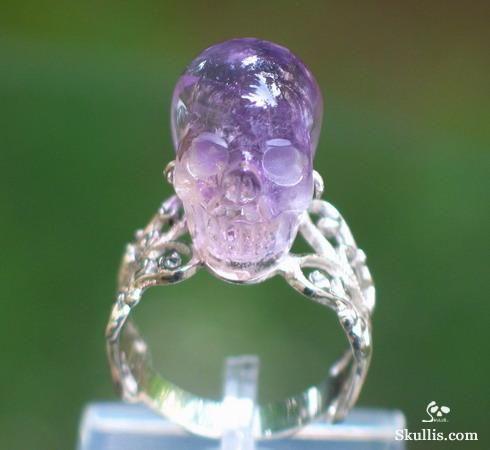 Mariage - Amethyst Carved Skull Ring, Gemstone, Sterling Silver