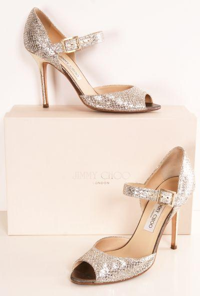 Hochzeit - Wow I Love This Mary Jane/Jimmy Choo Look.  Too Bad They Probably Don't Make These Anymore.