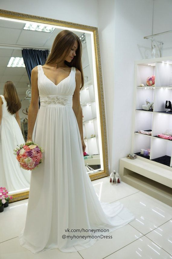 Hochzeit - Love The Shape Of This Dress.  Waist Band Would Need To Be Narrower And Would Need Sleeves