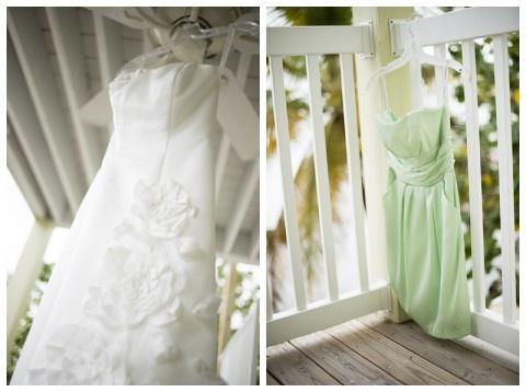 زفاف - Pale Green Beach Wedding Inspiration, Minerva Photography Via Aphrodite's Wedding Blog