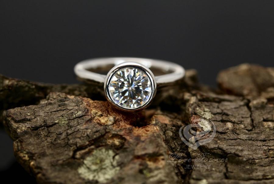 زفاف - FOREVER ONE Certified 7mm/1.25 Carats Round Cut D-F Color Moissanite 14k White Gold Bezel Set Engagement Ring(Other Metal & Stone Available)