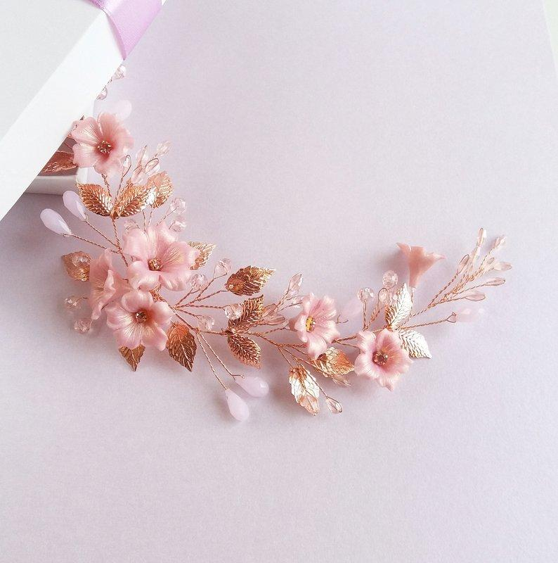 Свадьба - Bridal rose gold hair vine with pink flowers, leaves and crystals, Flower Leaf Boho Headpiece Wedding hair piece, Floral hair comb Hairpiece