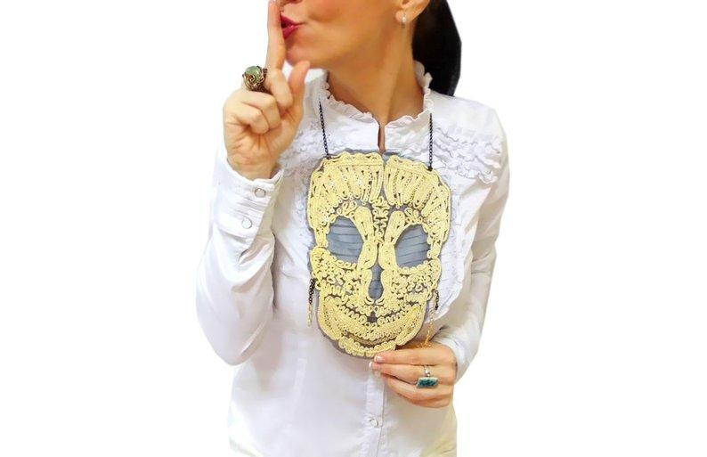 Mariage - Gold lace skull necklace, halloween tops, skull costume gold bib necklace, big skull jewelry, steampunk, costume accessories