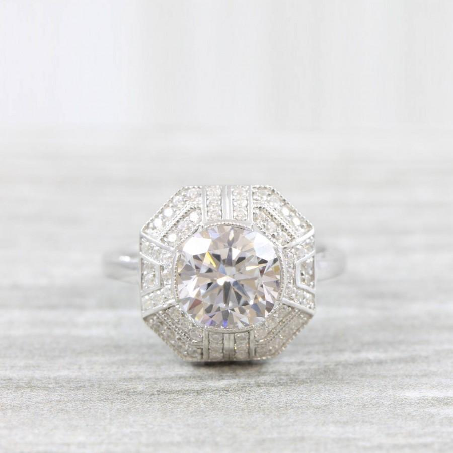 Mariage - Cushion cut white sapphire and diamond engagement ring art deco 1920's inspired large cluster ring for her