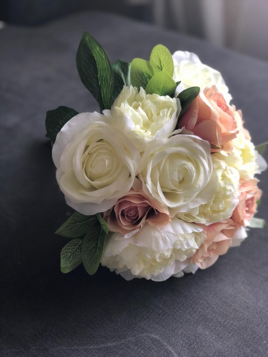 Mariage - Blush and Ivory, Wedding Bouquet, Bridal Bouquet, Silk Flowers, Wedding Flowers, Wedding Accessories, Artificial Flowers, Bridesmaid Bouquet