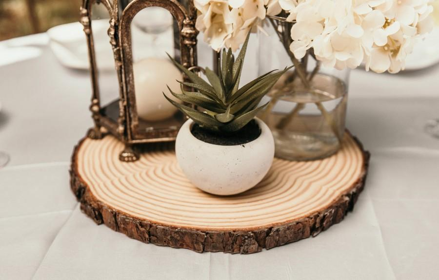 Mariage - Set of 20 - 13 inch rustic table chargers, wood chargers, wood slab chargers, rustic table setting, wedding table decor, cross cuts!