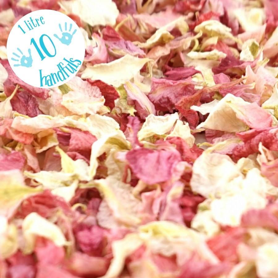 Mariage - 1 Litre approx 10 guests Natural Wedding Confetti Eco-Friendly Biodegradable Dried Delphinium Petals Raspberry / Vanilla, in Organza Bag