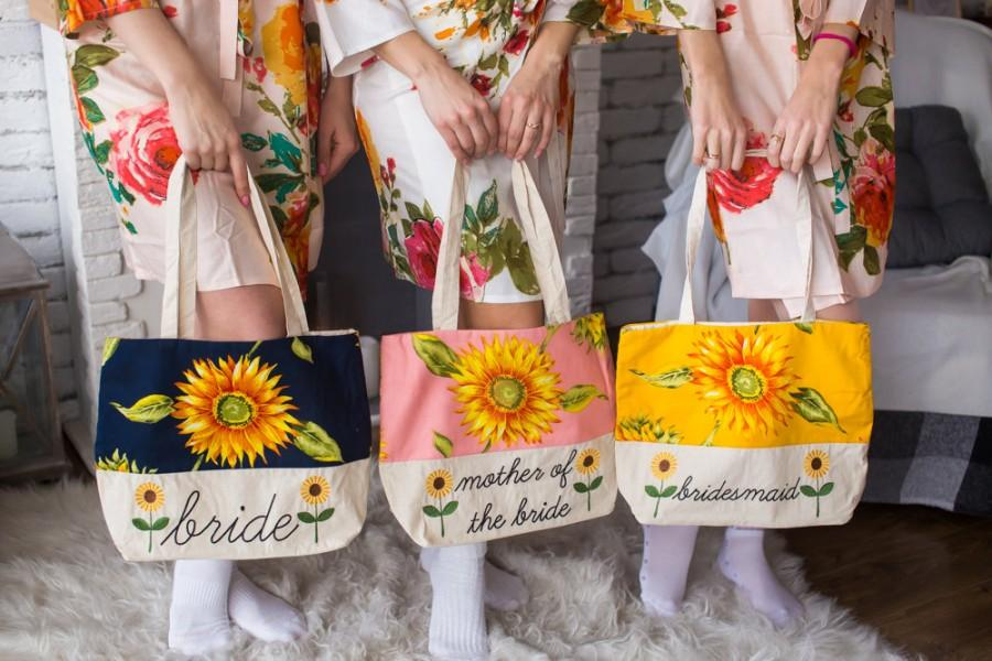 Mariage - Sunflower Tote Bags, Bridesmaids Tote bags, Bridesmaids gifts, Bridal Party gift, Wedding Tote Bags, Monogrammed Tote Bag, Bridesmaids Totes