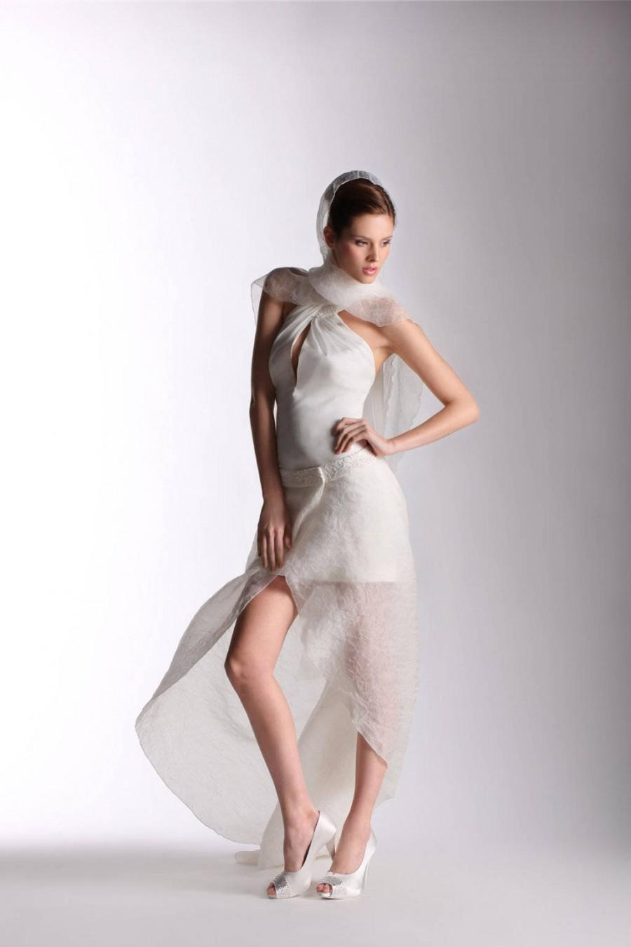 Свадьба - Short wedding dress, also for civil marriage, neckline for a bride a little sensual, reusable for an evening with friends,