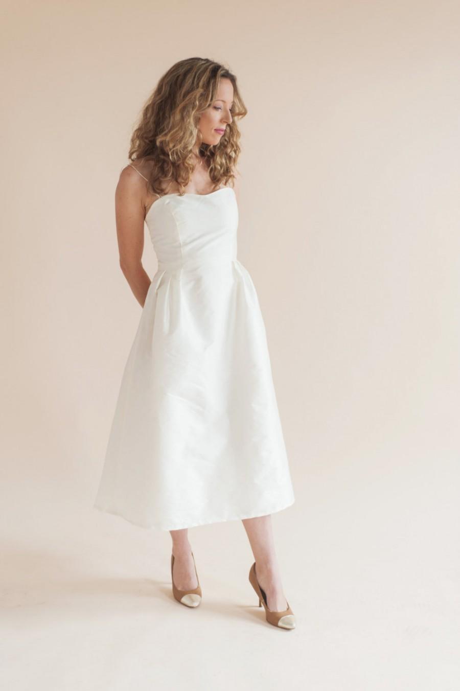 Свадьба - VIOLET DRESS midi wedding dress. short wedding dress. wedding dress. simple wedding dress. Dress with pockets
