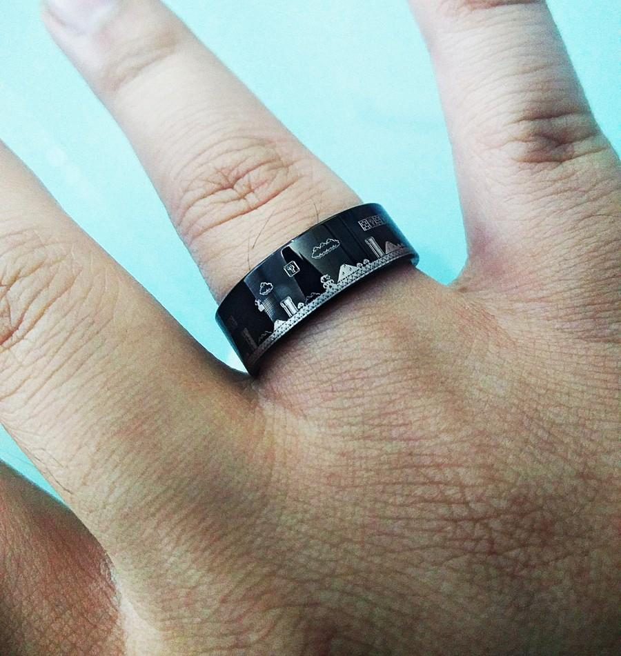 Mariage - Engraved Super Mario Bros Level Pixel Mushroom Black Tungsten Ring Flat Polished Finish - 4mm to 12mm Available - Lifetime Size Exchanges