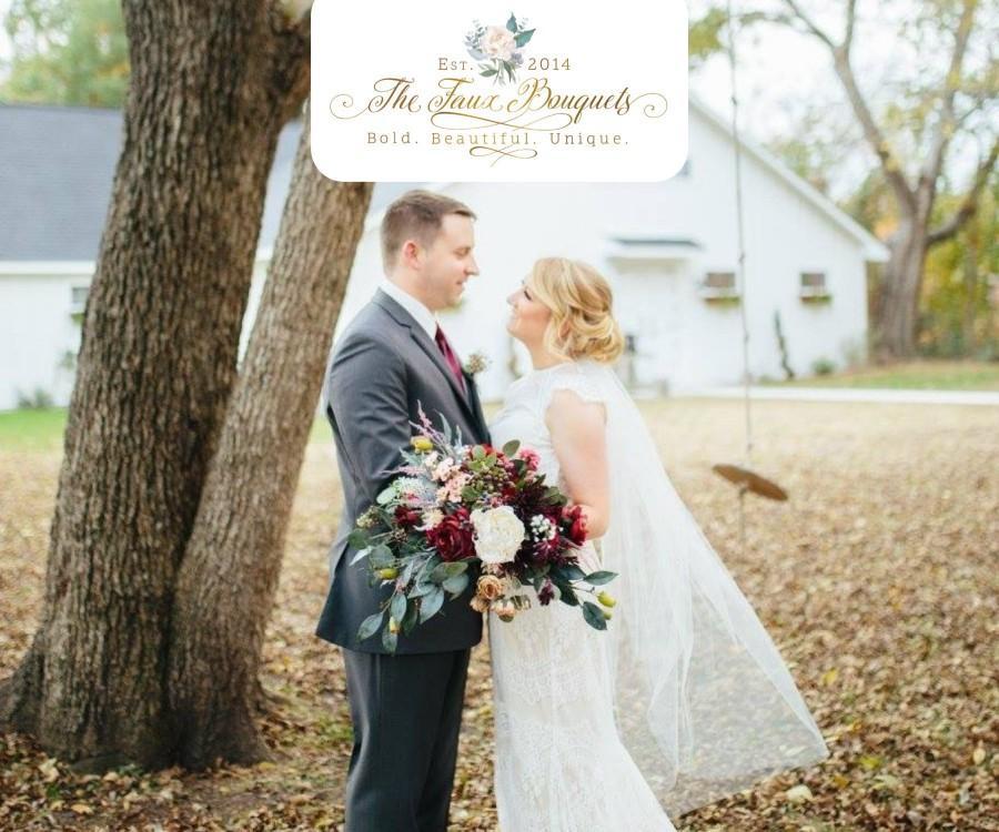 Mariage - Wedding Bouquet, Bridesmaids Bouquet, Wedding Flowers, Boutonniere, Silk Flower Bouquet, Silk Flowers, Floral Garland, The Faux Bouquets