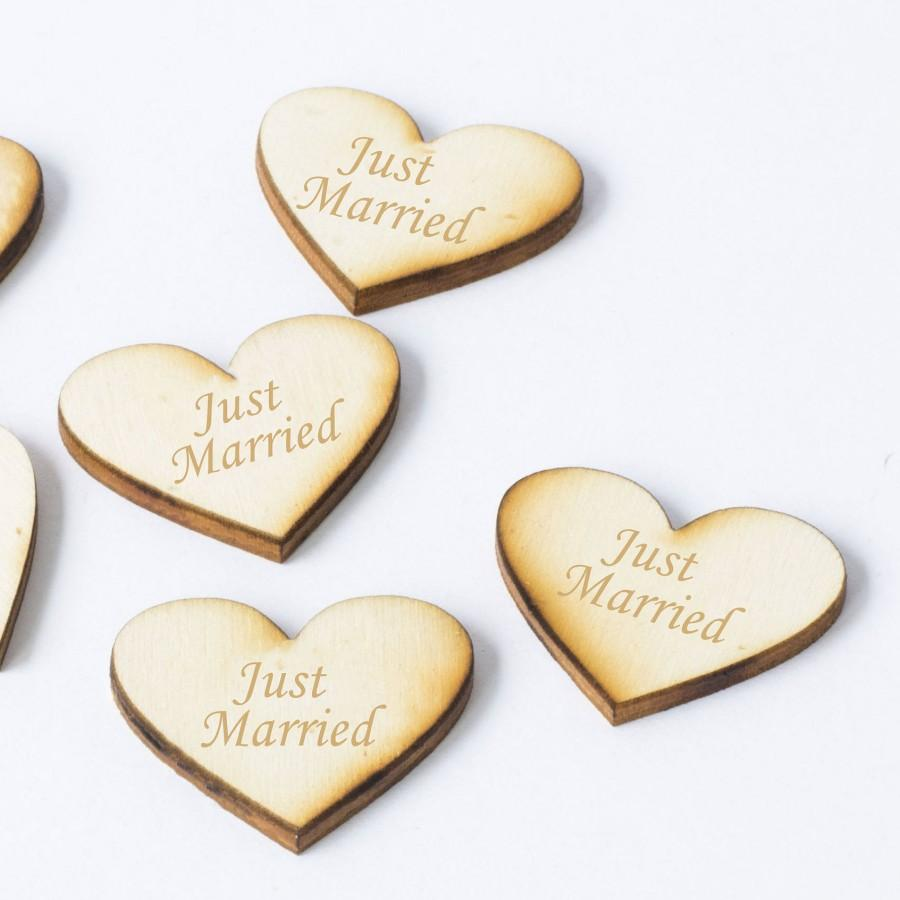 Mariage - Wooden Just Married Hearts wedding confetti Wedding Table  Centerpiece DIY Wedding Decor Just Married Wedding Sign Set of 20