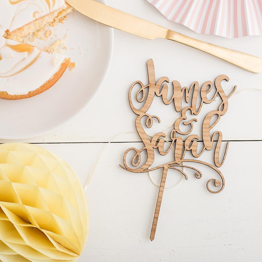 زفاف - Personalised rustic wedding cake topper First names topper in script Mr & Mrs Custom wooden cake topper Name cake topper Engagement topper