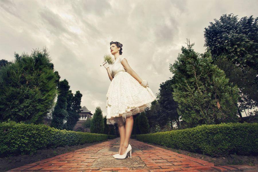زفاف - Tea Length Ivory Wedding Dress Wedding Gown Dress Vintage 50s 60s Sheer Lace Wedding Dress Rockabilly Pinup Tulle Full-Skirt