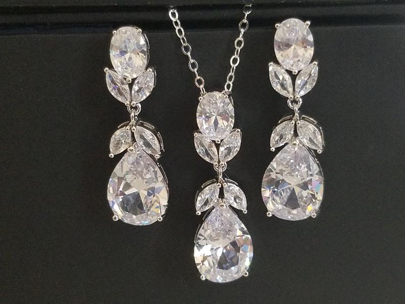 Свадьба - Bridal Jewelry Set, Silver Teardrop Crystal Bridal Set, Wedding Cubic Zirconia Earrings&Necklace Set, Sparkly Jewelry Set, Bridal Zircon Set