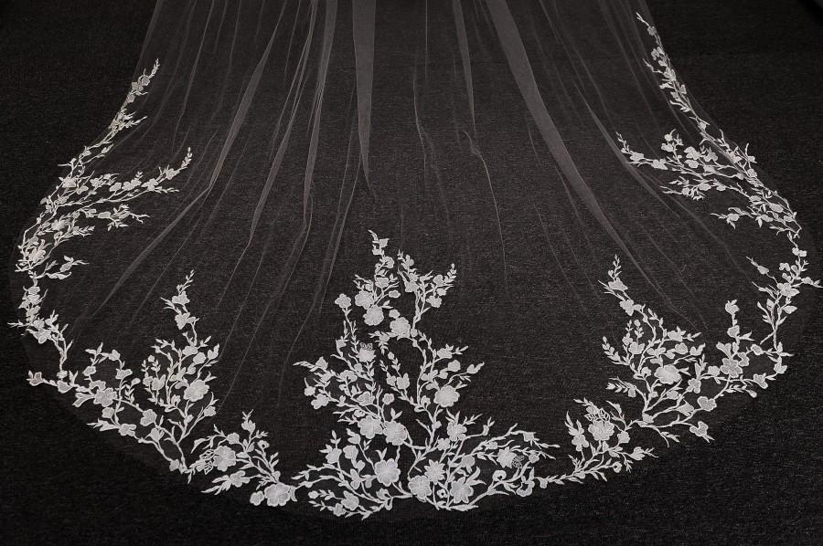 Wedding - LS35/Lace wedding veil/White Veil/One Tier lace Veil/ Custom Veil/Cathedral Wedding Veil
