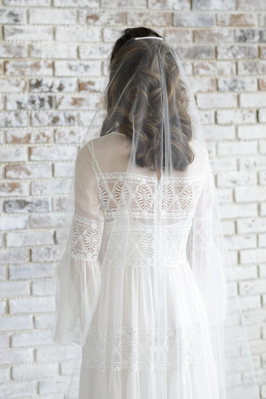 Mariage - Minimalist wedding veil, barely there veil, minimal veil with comb, sheer veil sheer wedding veil simple veil raw edge veil single tier veil