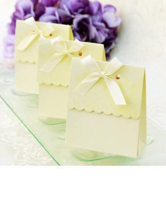 Mariage - BeterWedding Sweet Scalloped Favor Box
