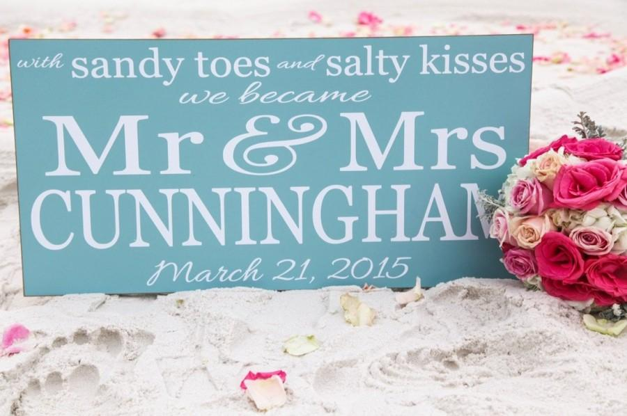 Свадьба - Sandy Toes Salty Kisses Mr. and Mrs., Wood Sign, Personalized Wedding Sign, Beach Wedding Sign,Wedding Gift, Beach Wedding Decor,Your Colors