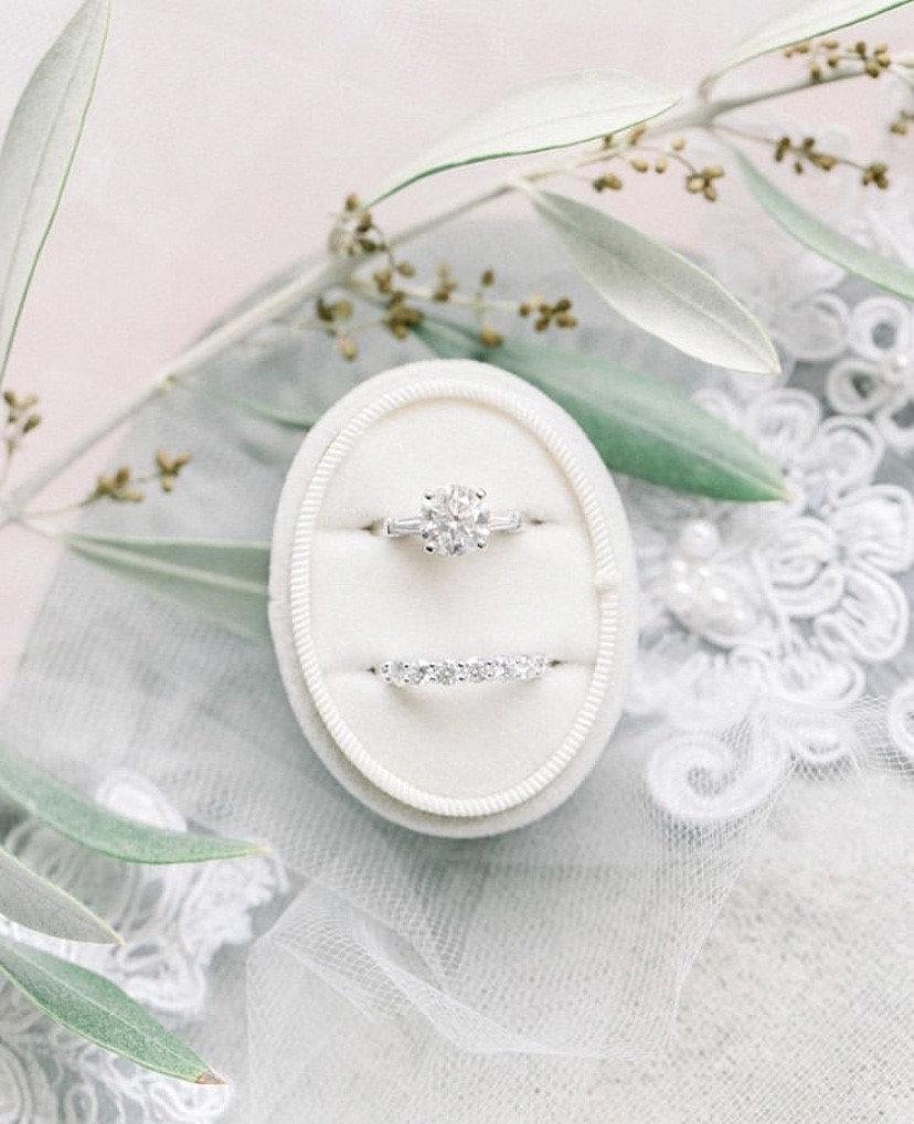 زفاف - VELVET RING box, wedding rings box, french ring box, vintage velvet ring box, engagement and wedding ring box, vintage style, gift for mrs.