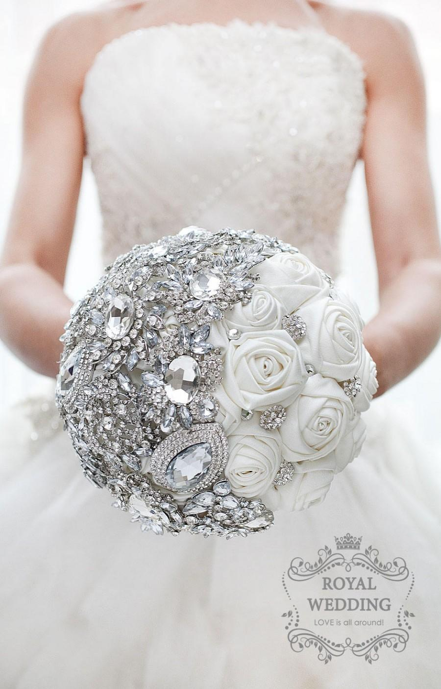 Mariage - White Fabric Wedding Brooch Bouquet Ivory Silver Bridal Bouquet Bridesmaids Gift Broach Jewelry Bouquet Ivory Brides Crystal Brooch Bouquet