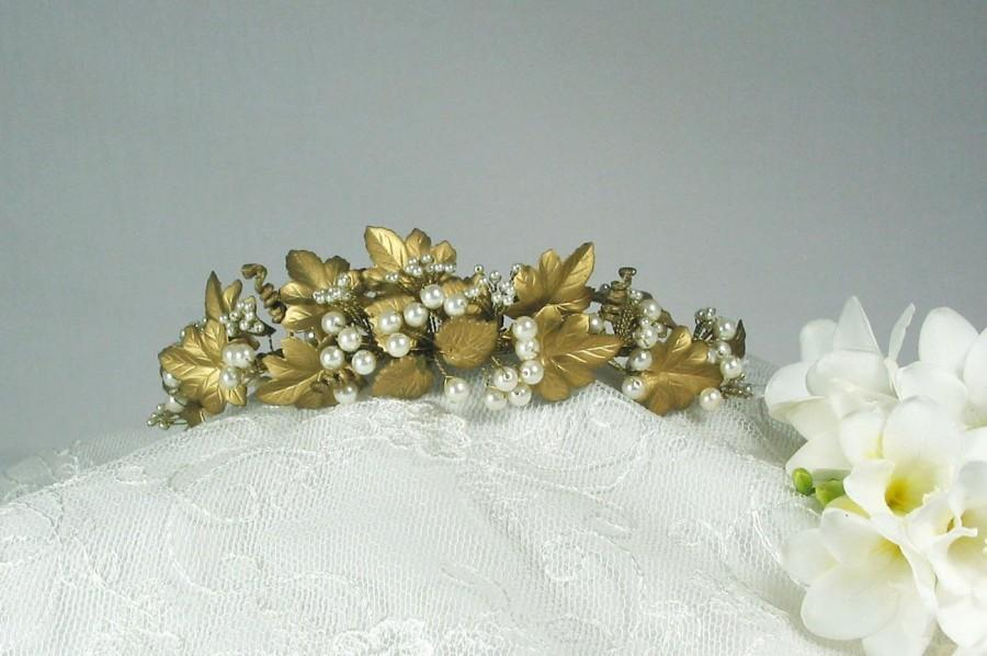 Mariage - Tallulah tiara ~ Vintage ~ antique gold ~ Bridal crown ~Vine leaves ~ glass pearls ~ Vines ~ Pearl grapes