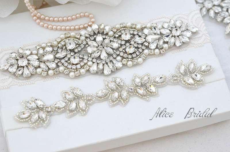 Hochzeit - Wedding ivory lace garter set ,Bridal garter set , Crystal  bridal garter . Wedding garter , wedding gift