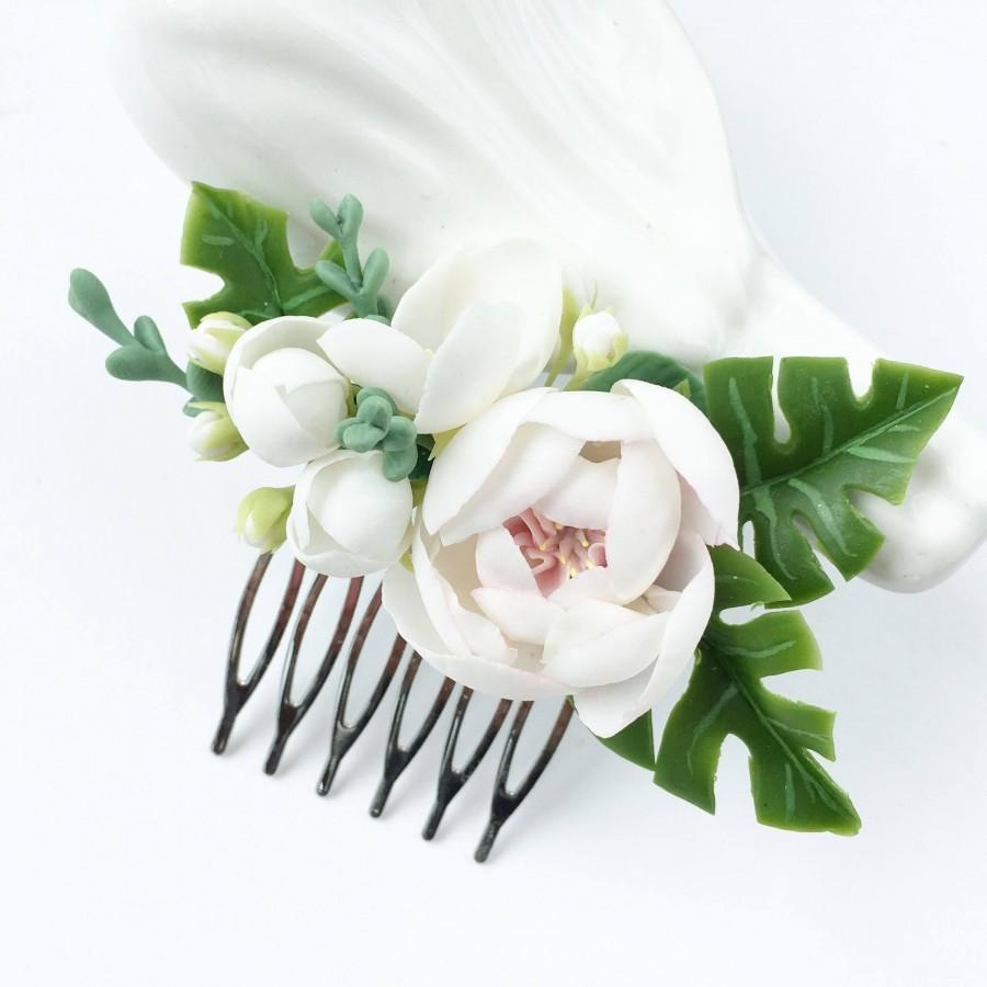 Hochzeit - Tropical wedding comb white flower comb bridal comb monstera leaf hair piece beach wedding comb rose flower comb bridal headpiece hair comb