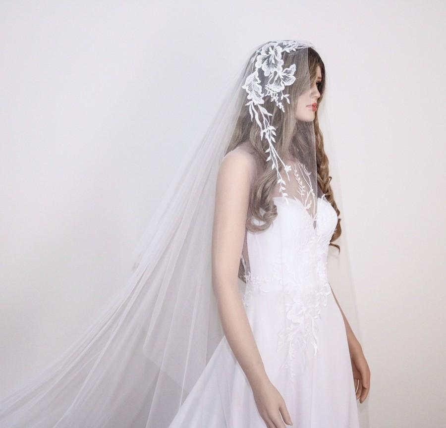 Wedding - White Boho Bridal Veil with Floral Lace Detail, Wedding Veil, White Mantilla Veil, Drop Tulle Veil,