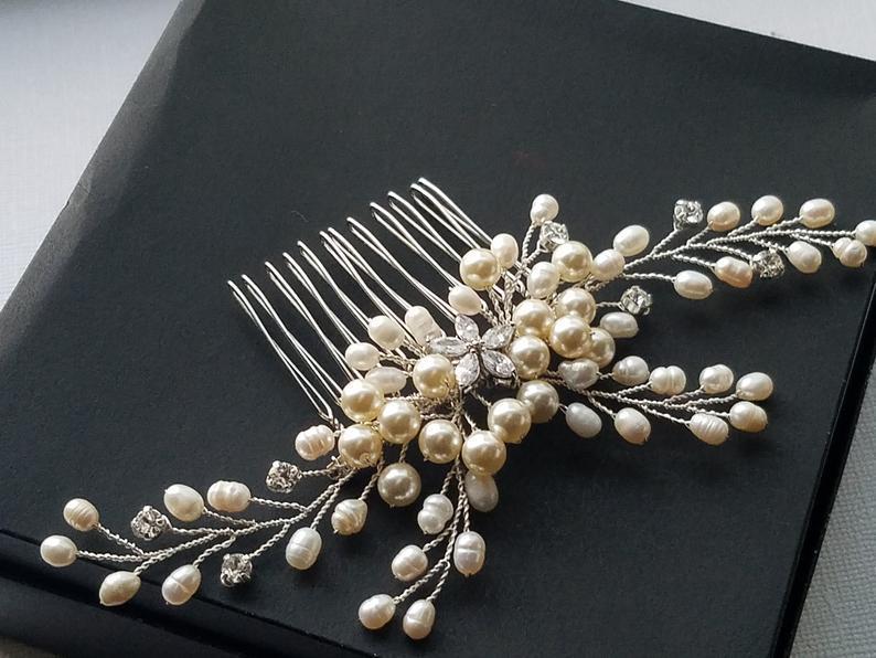 Mariage - Pearl Bridal Hair Comb, Wedding Pearl Crystal Headpiece, Ivory Pearl Hair Piece, Swarovski Pearl Crystal Comb, Freshwater Pearl Floral Comb