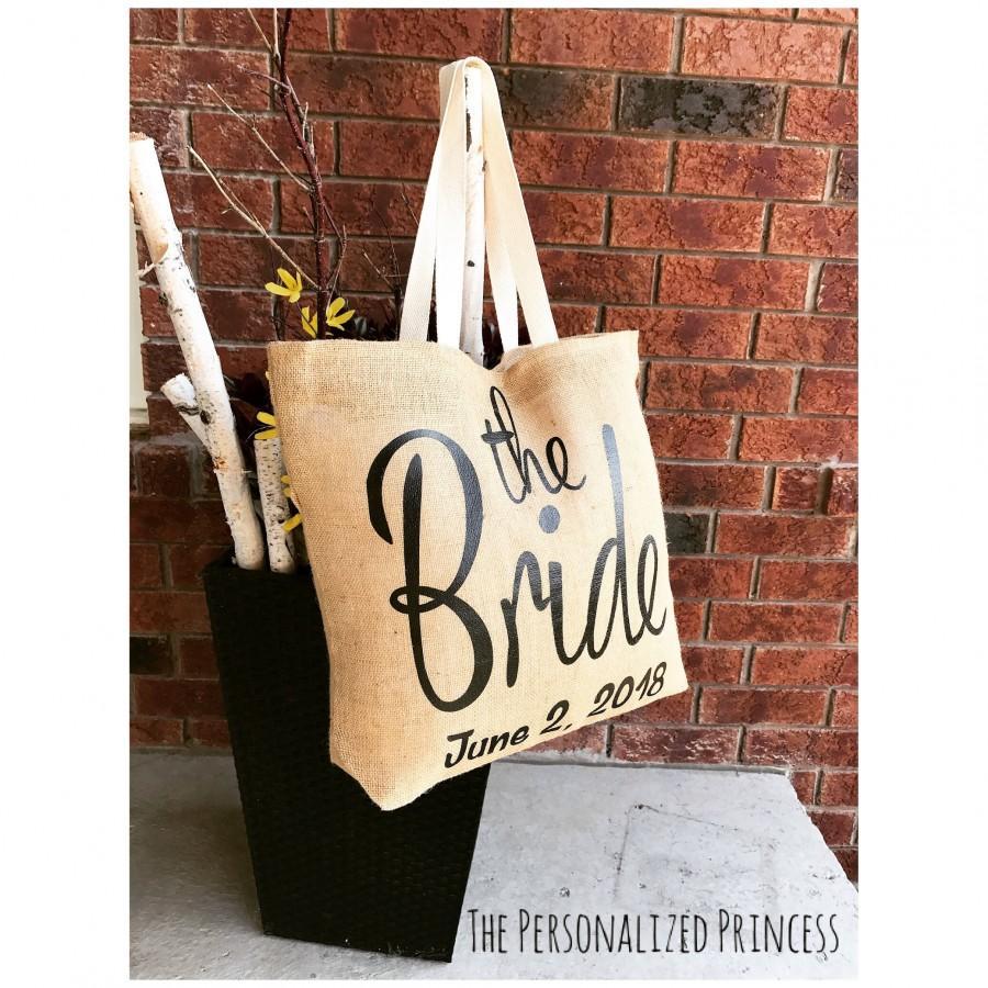 Mariage - Wedding Jute Tote Bags, Bride Tote Bags, Wedding Party Gifts, Bride, Custom Wedding tote bags, Bride gifts, Wedding party, Bachelorette