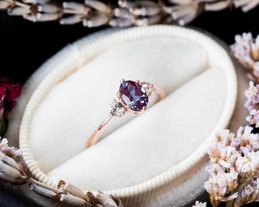 Mariage - Alexandrite sapphire three stone 14k gold engagement ring, alexandrite engagement ring, alternative bridal, alexandrite rose gold ring