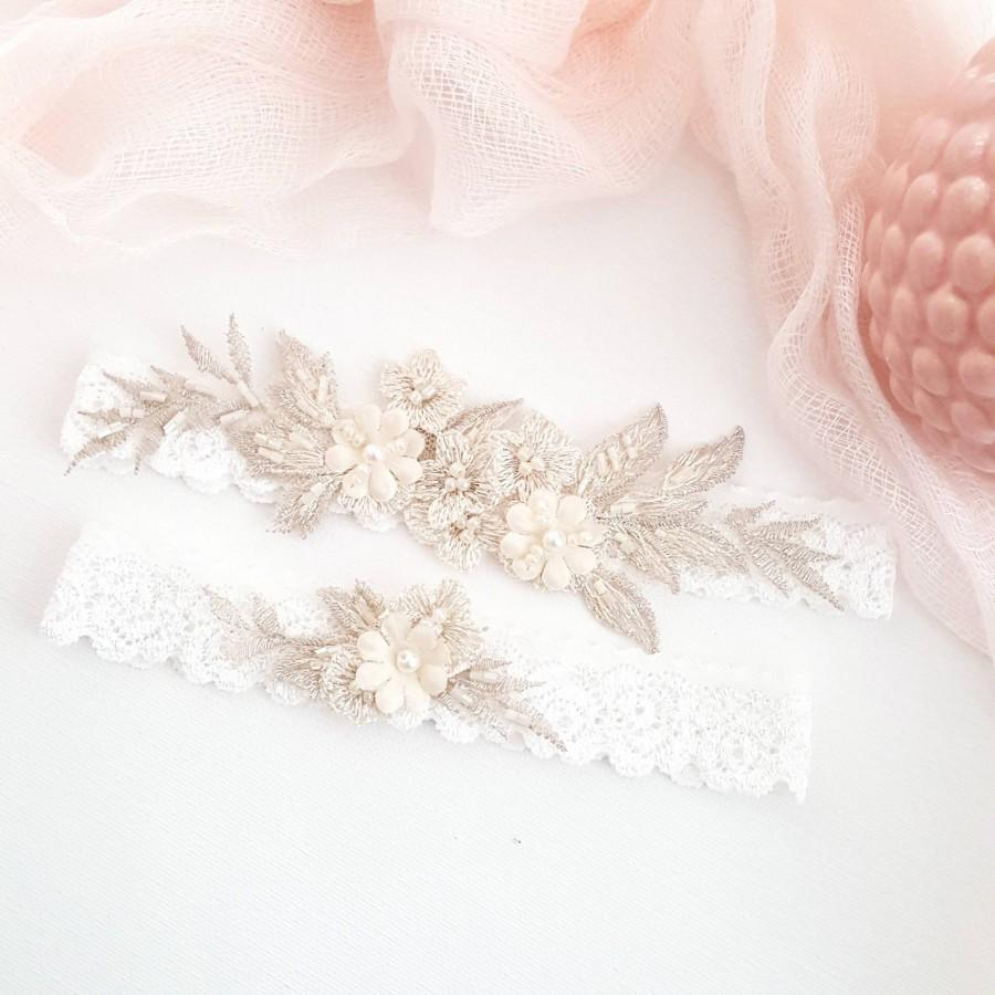 Hochzeit - Champagne Floral Lace Bridal Wedding Garter, Vintage Ivory Pearl Garter for Bride, Fairytale Wedding Garter