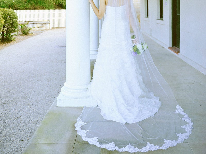 Mariage - Lace wedding veil, semi lace edged veil, partial lace veil, lace bridal veil, cathedral lace veil, long veil with lace, cathedral veil