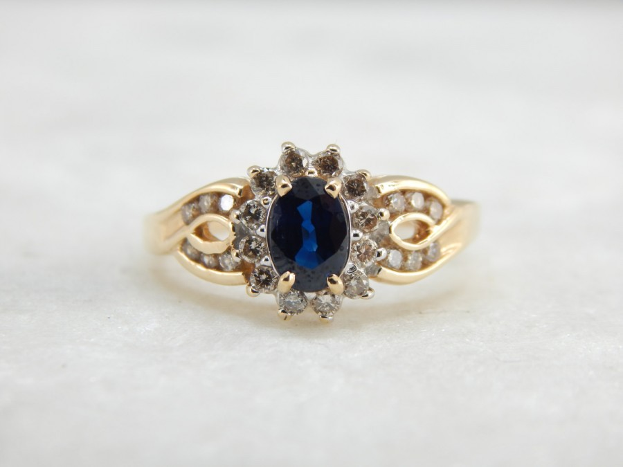 Wedding - Infinity Knot Cocktail Ring with Sapphire Ceneter YJJ2LA-D