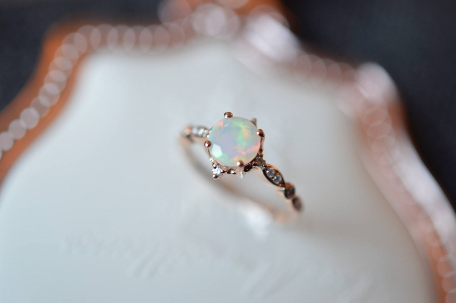 Mariage - Opal Enagegement Ring 18k Rose Gold Opal Engagement Ring 14k Gold Opal Wedding Ring Vintage Antique Opal Diamond Engagement Ring