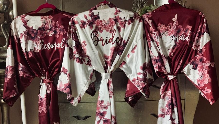 Hochzeit - Floral Bridesmaid Robes